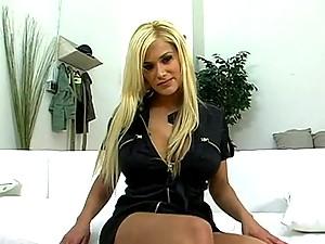 Shyla pleases her boyfriend with an unforgettable footjob