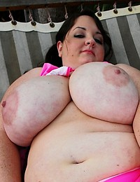 Plump Babe Goes Solo Outdoors