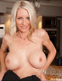 Round Assed Blond Cougar Banged