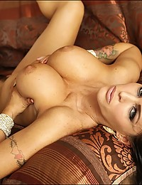 Perfect Bodied Jenna Presley Exposes All