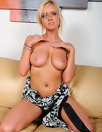 Brittanys Bod - The blue-eyed chick is modeling her amazing titties