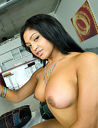 Lisa Lee Gets Her Tits Covered