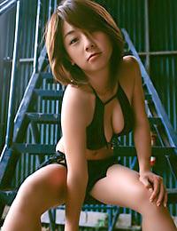 Wanna enjoy a Breast Snack with Sayaka Tashiro?