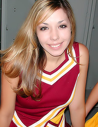 Ronni Tuscadero - Two cheerleader hotties making out in the locker room