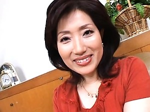 Aya Masuo plays with her own tits and makes her nipples very hard