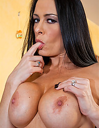 Solo milf and big tits