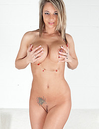 Busty Nikki Sims Spreads Her Legs