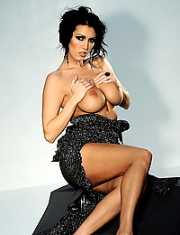 Dylan Ryder wears a hot dress and takes it off to show her sexy tits