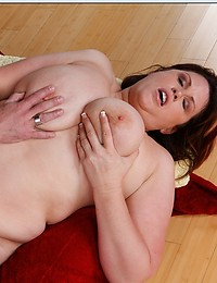 Big Horny Mama Want Big Fat Cock