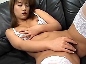 Ayumi Nakura Hot Sexy Leg Spread