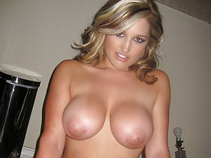 Hot girlfriend with big tits banged
