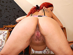 Redhead Pregnant Wife Gets Deep Reaming