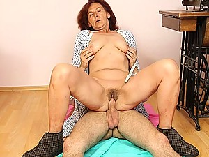 Granny cock rider gets on his meat and rides hard so he can experience her wet pussy hole