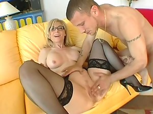 Sex Goddess Nina Hartley In Action
