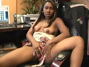 Nikole Richie Gets Pussy Fucked By The Boss