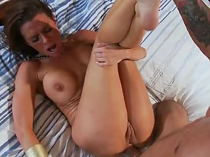 Horny Milf Can't Control her Wet Pussy When it comes To Big Cock