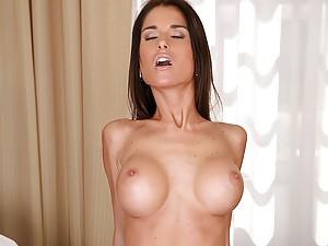 Big tit thin girl fucked