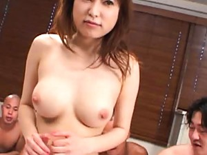Runna Sakai enjoys having her pussy stimulated before group sex