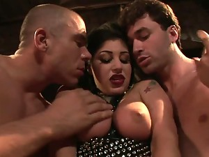Busty Brunette Britney Stevens Gets Dobule Penetrated In Threesome